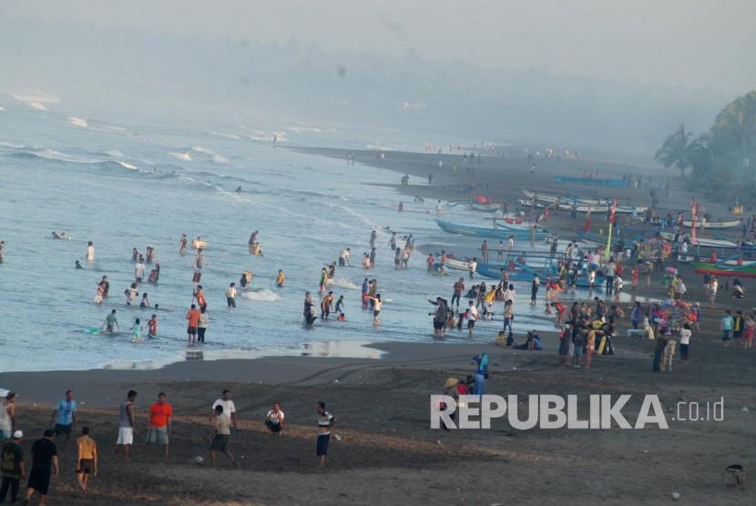 Pantai Pangandaran (Republika/Edi Yusuf)