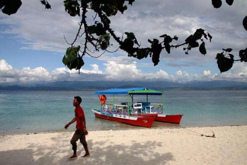 Pantai Tanjung Karang (Objek Wisata Pantai) - Ilustrasi