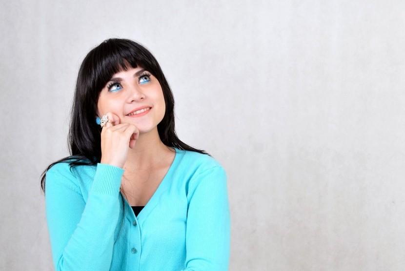 Para dewasa muda menjalani kehidupan dengan produktivitas tinggi yang membuatnya rentan stres.