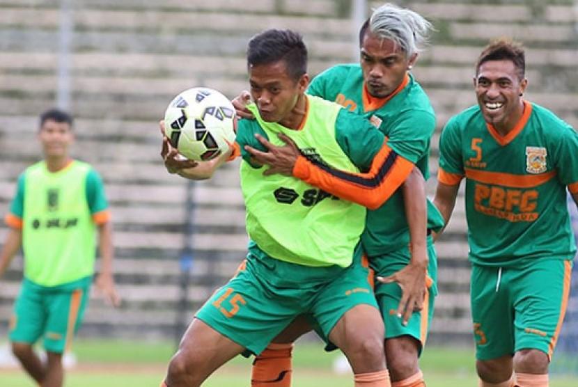 Para pemain Pusamania Borneo FC (PBFC)