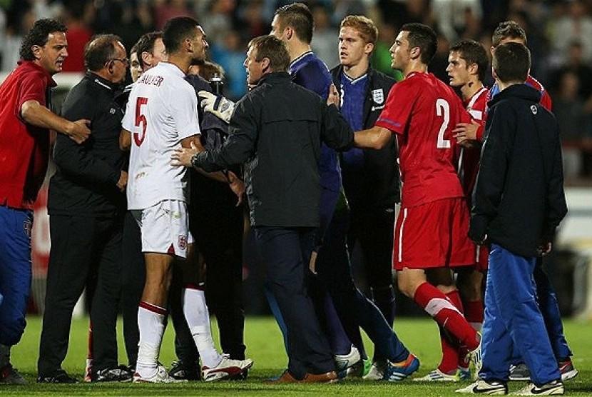 akibat partai rasis uefa hukum inggris dan serbia
