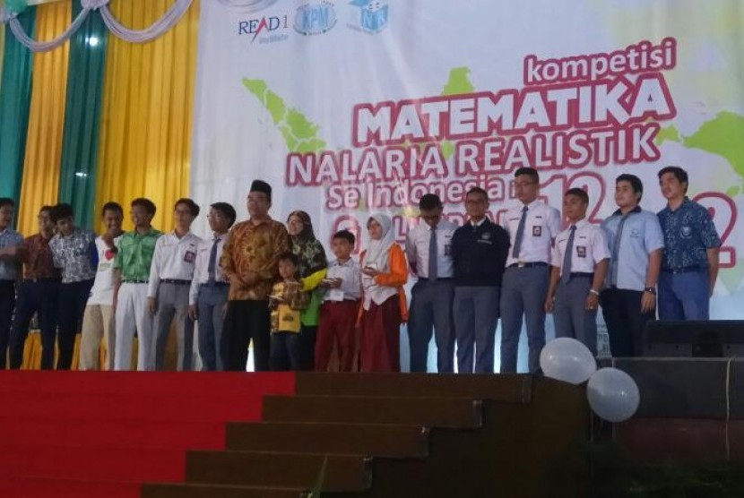 Para pemenang Kompetisi Matematika Nalaria Realistik (KMNR) Se-Indonesia  2017.