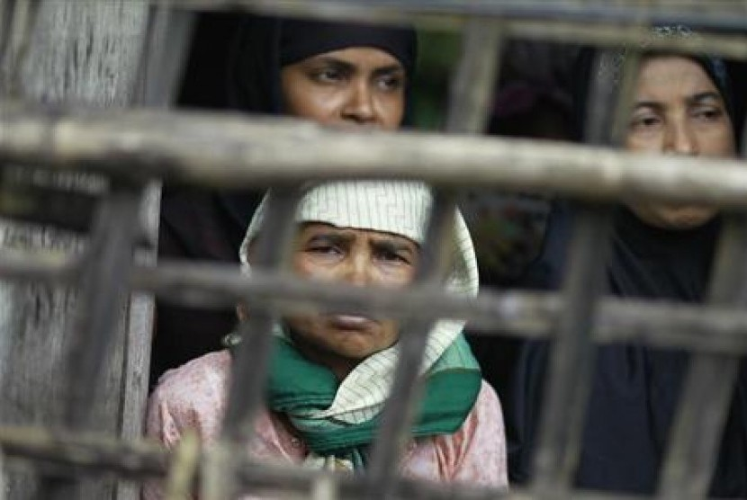 Para perempuan pengungsi Muslim Rohingya.