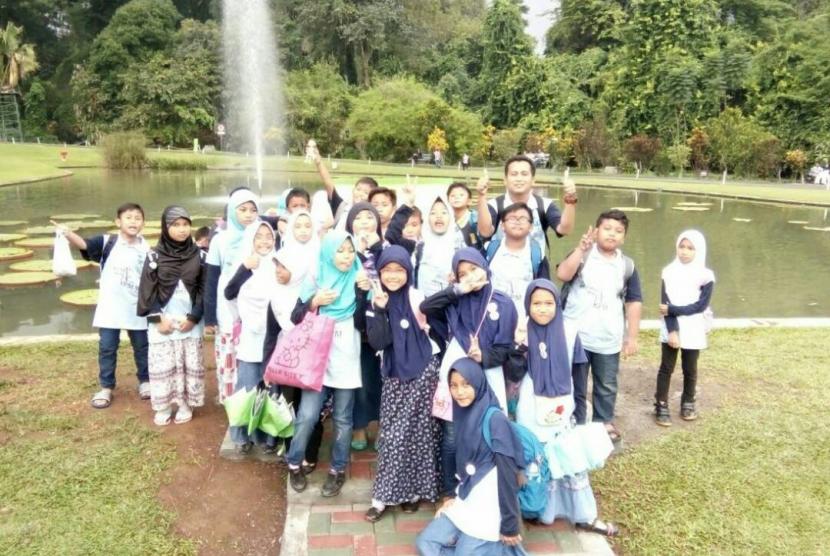 Para peserta Wisata Religi Matematika