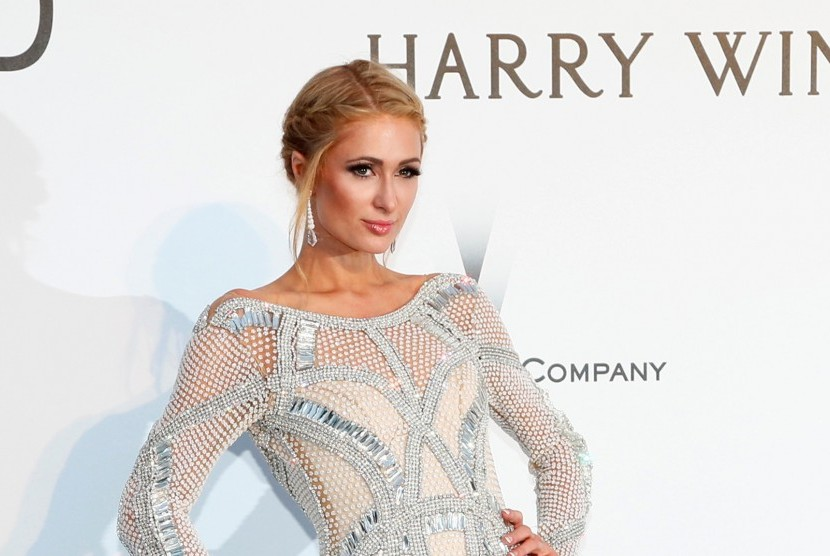 Paris Hilton Sewa Bodyguard Jaga Cincin Tunanganya 24 Jam