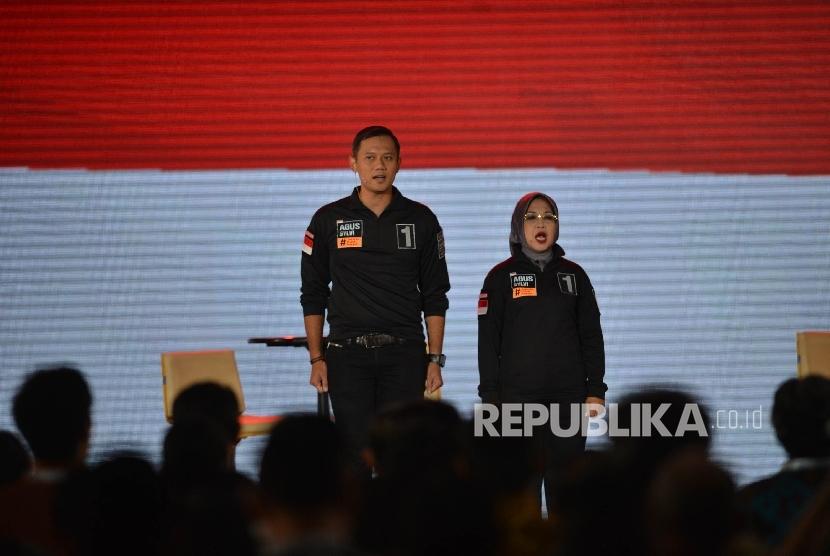 Paslon Cagub dan Cawagub DKI Jakarta nomor urut 1 Agus-Sylvi mengikuti final debat pasangan calon di Jakarta, Jumat (10/2).
