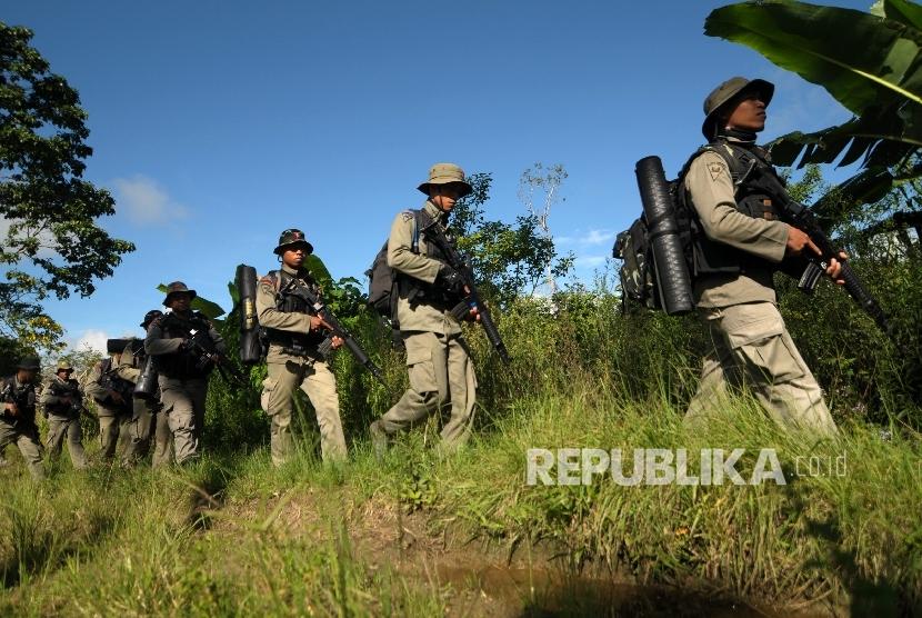 Pengamat Militer: Brimob Punya Kualifikasi Gunakan Senjata