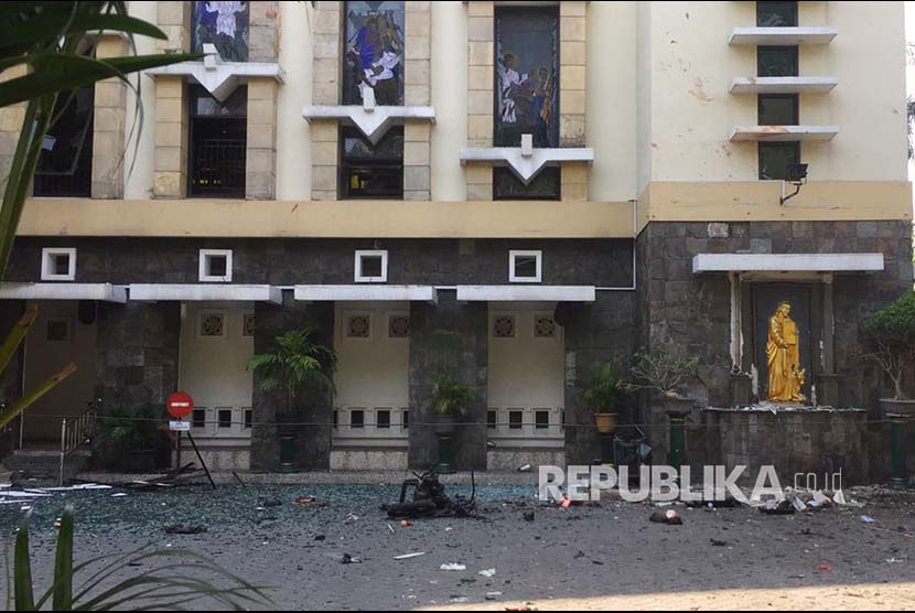 TGB: Bom Gereja di Surabaya Menyakiti Umat Islam ...