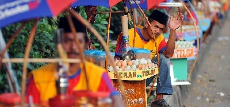 Pedagang kerak telor. (ilustrasi)