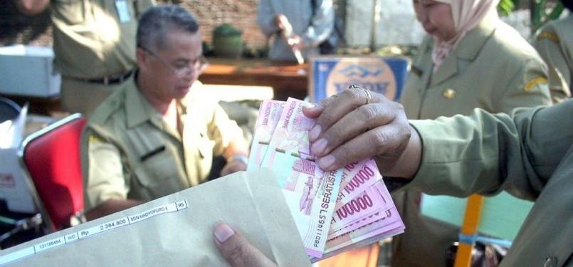 Pegawai Negeri Sipil di lingkungan Pemerintah Kota Yogyakarta akan menerima gaji ke-13 pada Senin (11/7), (ilustrasi)