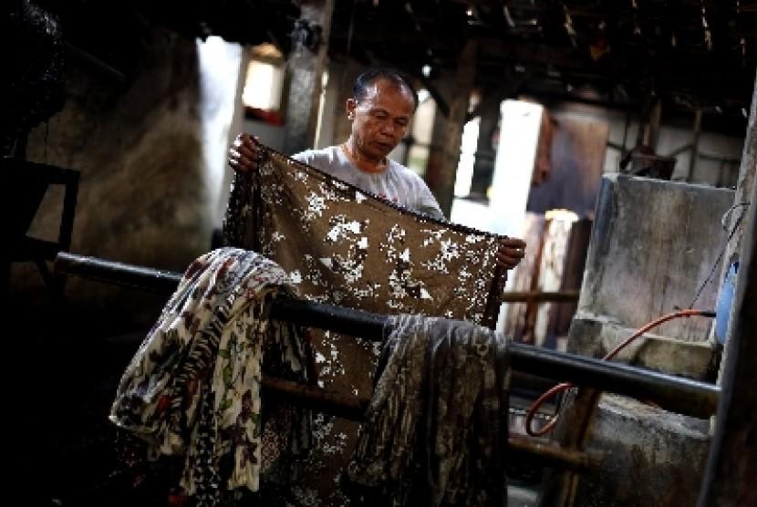 Batik Pesindon Bangun Ikon Kampung Batik Warna Alam