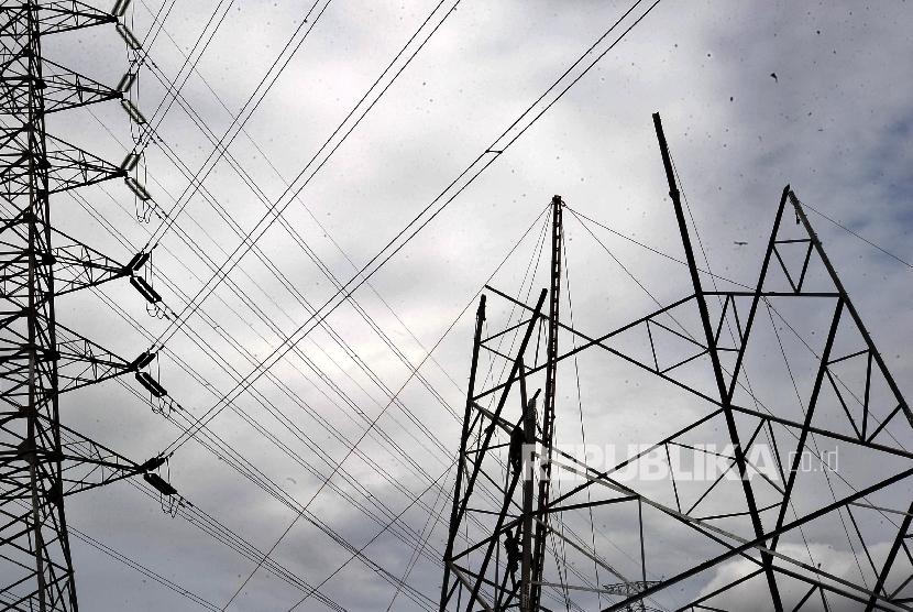 PLN Bangun Transmisi Jalur Utara Jawa