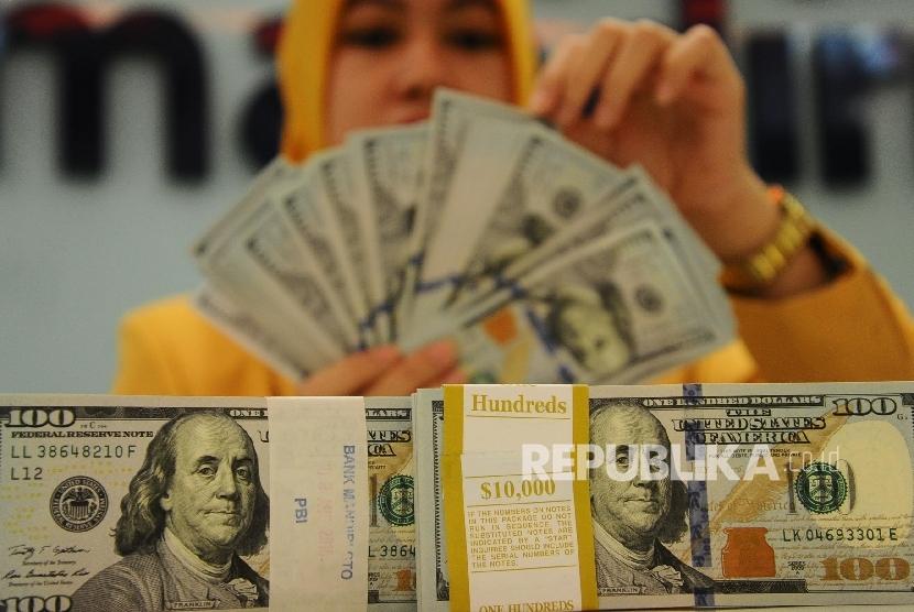15.400 Lembar Dolar AS Palsu Diamankan di Lombok