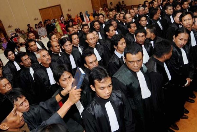 Pelaksanaan sumpah advokat (ilustrasi).