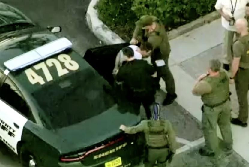 Pelaku penembakan di sekolah Kota Parkland, Florida berhasil di tanggkap pihak keamanan AS