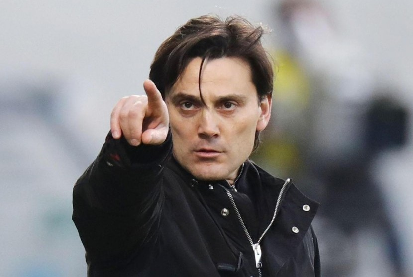 Pelatih AC Milan, Vincenzo Montella.