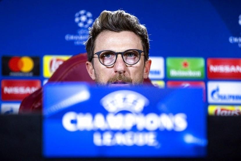 Pelatih AS Roma Eusebio Di Francesco