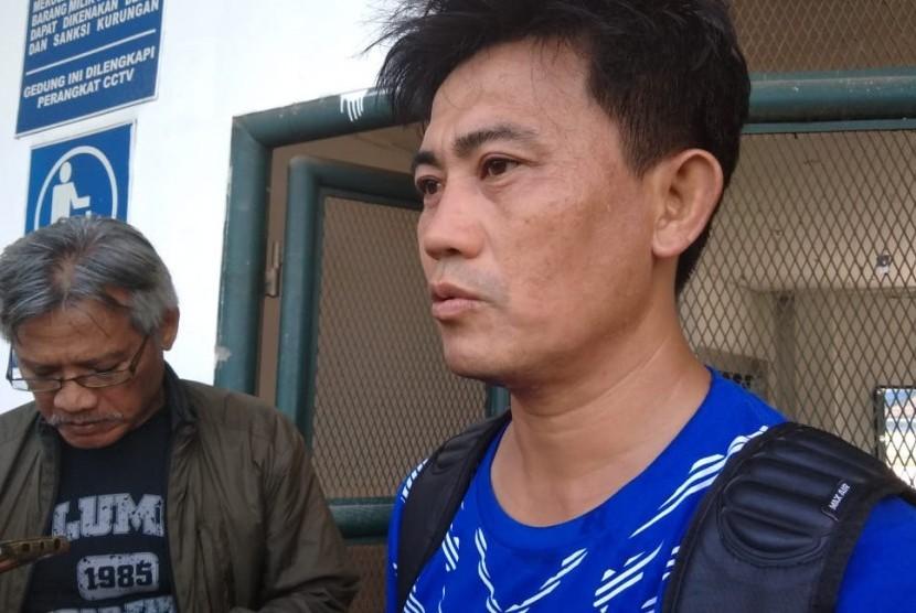 Pelatih fisik Persib Bandung, Yaya Sunarya di Gelora Bandung Lautan Api, Bandung, Rabu (16/5).