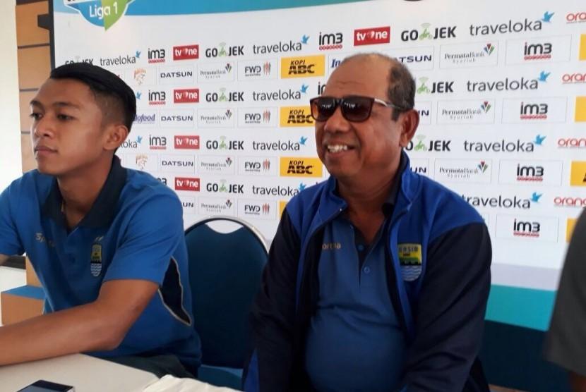 Pelatih Persib Bandung, Emral Abus.