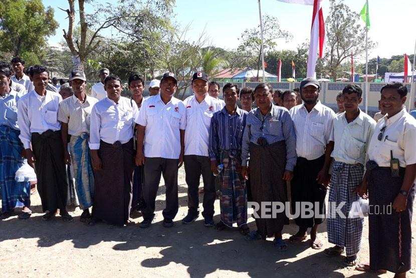 Peletakan batu pertama pembangunan Rumah Sakit Indonesia di Rakhine, Myanmar, Ahad (19/11).