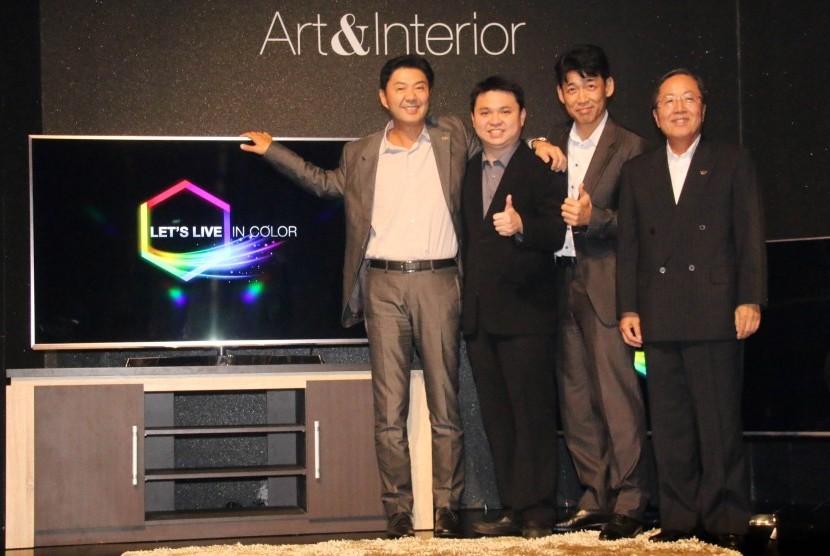 Peluncuran model televisi terbaru Panasonic.