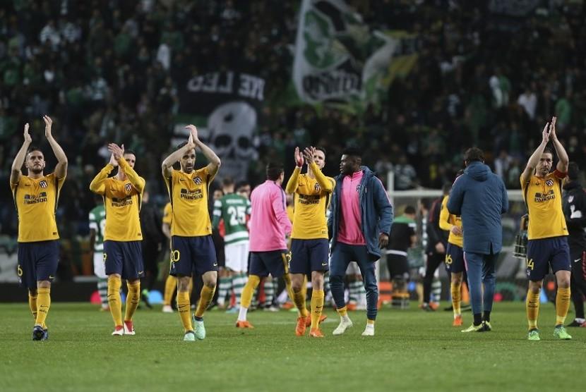 Pemain Atletico melakukan selebrasi setelah berhasil menembus babak semi final Liga Europa