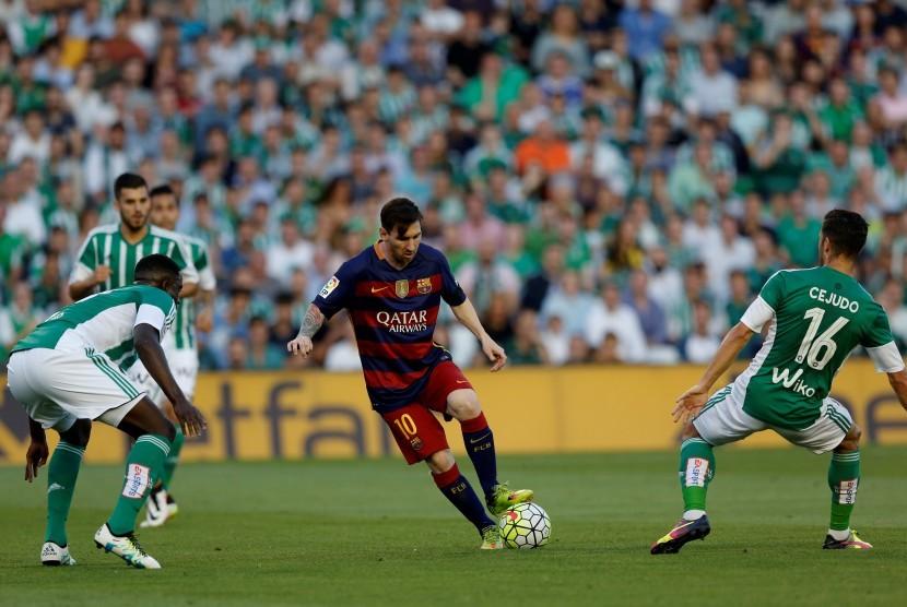 Babak Pertama Barcelona Ditahan 10 Pemain Real Betis