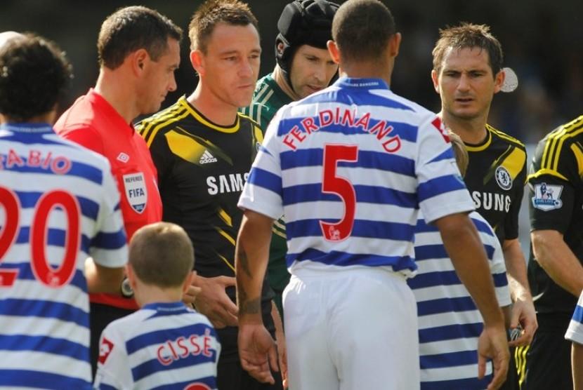 Pemain Queens Park Rangers, Anton Ferdinand menolak jabatan tangan John Terry