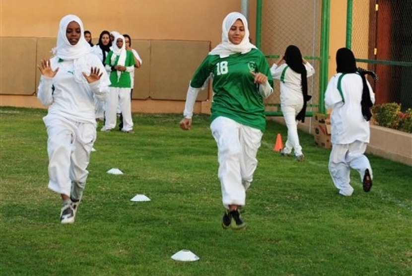 Saudi public schools will begin offering physical education for girls in the coming academic year. (Illustration)