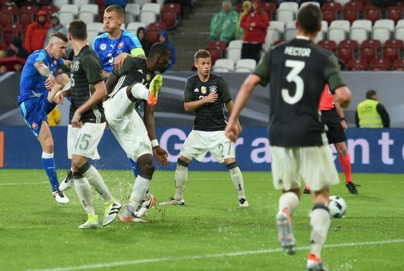 Pemanasan Piala Eropa, Jerman Dipecundangi Slovakia di Kandang