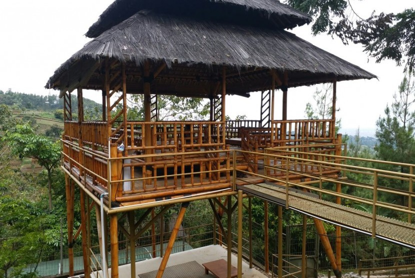 Pemandangan dan fasilitas di Kampung Quran Learning Center (KQLC) Bandung.