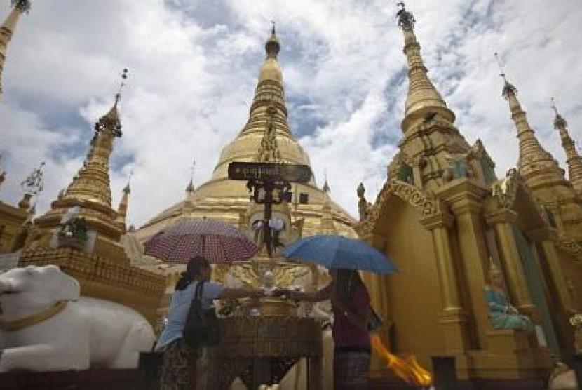 Pemandangan sebuah pagoda di Kota Yangon, Myanmar