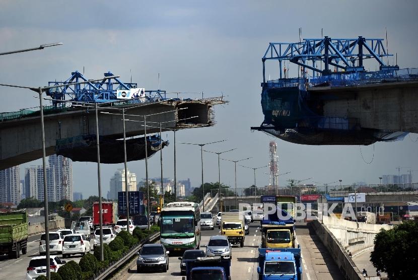Pembangunan proyek infrastruktur turut mendorong tingkat pertumbuhan ekonomi nasional.