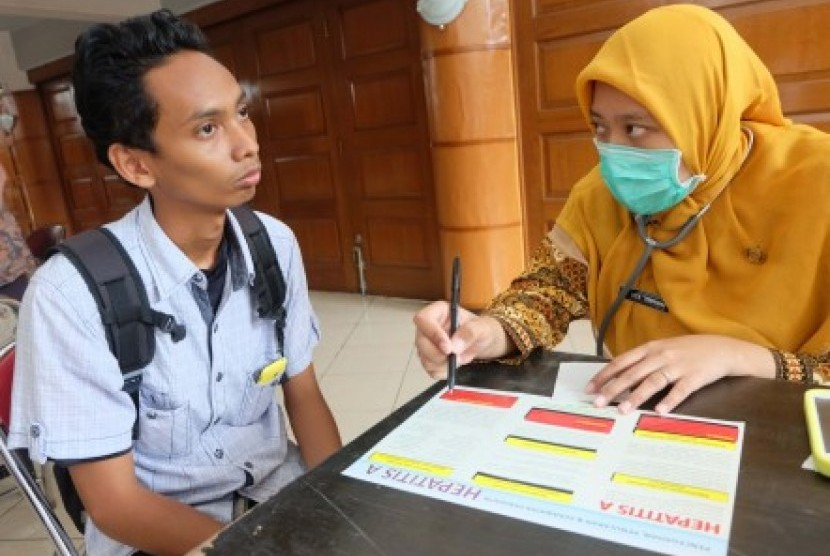 Pemeriksaan hepatitis di Bogor, Jumat (11/12)