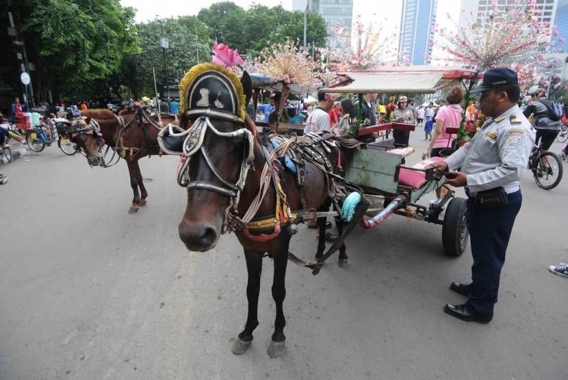 Pemerintah Kabupaten Garut, Jawa Barat, menerakan larangan beroperasi selama musim arus mudik dan milir Hari Raya Lebaran 2017. (Ilustrasi)