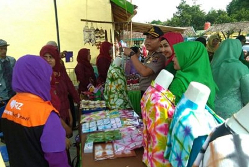 Pemerintah Kabupaten Gunung Kidul menggelar pameran di balai Desa Ngestirejo, Kecamatan Tanjungsari.