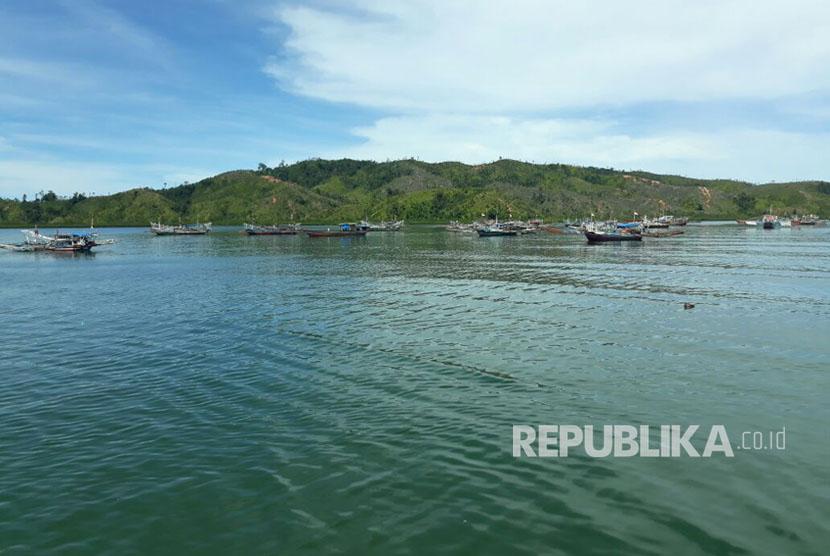 Pemerintah menawarkan potensi kawasan Mandeh di Pesisir Selatan, Sumatra Barat kepada investor dari 15 negara. Mandeh kerap disebut sebagai Raja Ampat-nya Sumatra.