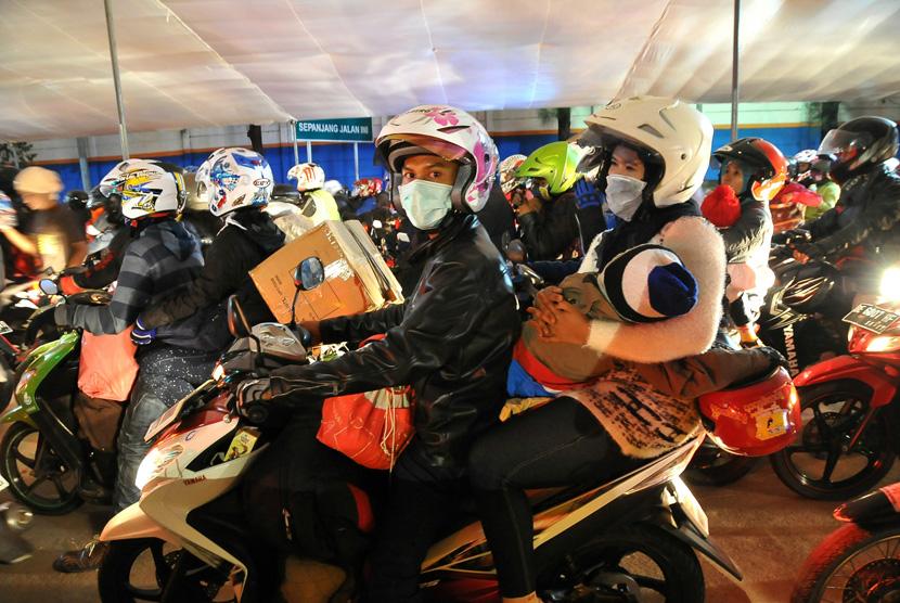 Pemudik sepeda motor (ilustrasi)