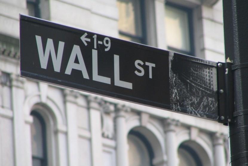Penanda Wall Street, New York, Amerika Serikat.