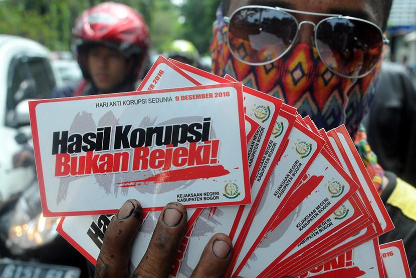 Hari Anti-Korupsi, Kejari Sukabumi Bagi Stiker Hingga Gelar