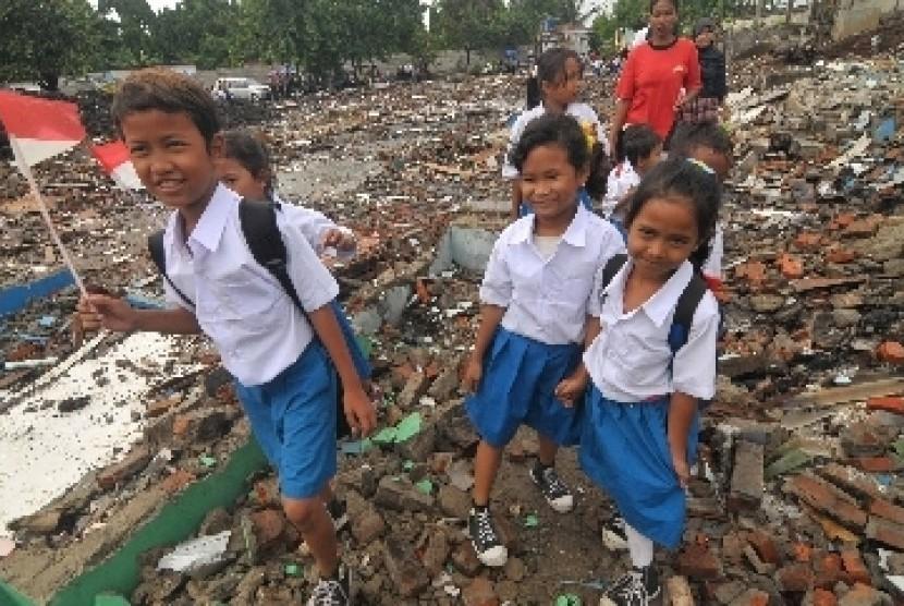 Pendidikan untuk anak-anak tak mampu merupakan salah satu masalah sosial (ilustrasi).