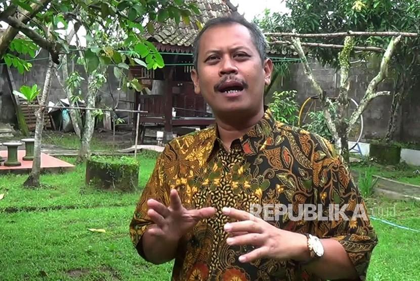 Pengamat Politik Undip, Teguh Yuwono, dalam sesi wawancara, Jumat (12/1).