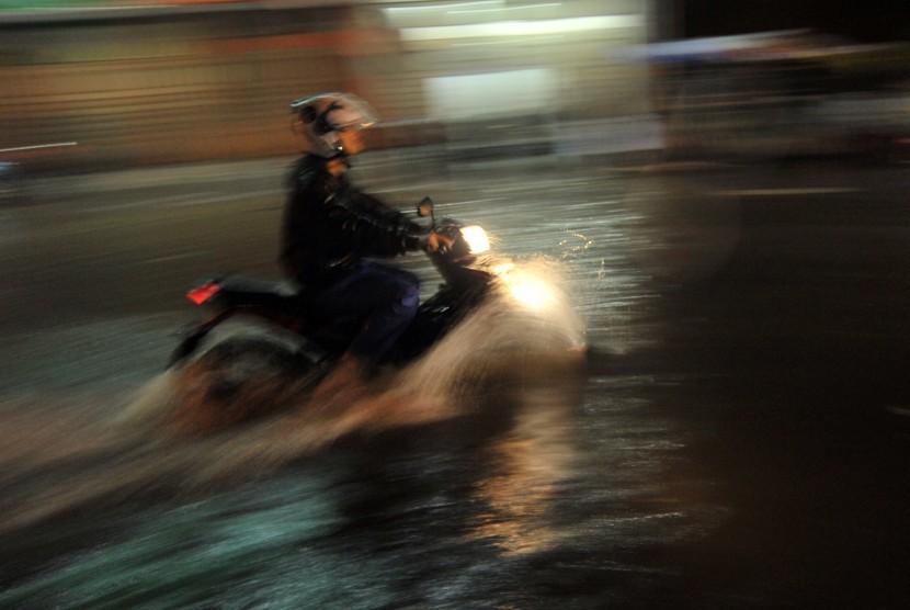 Kota Bengkulu Siapkan Posko Kesehatan di Titik Banjir