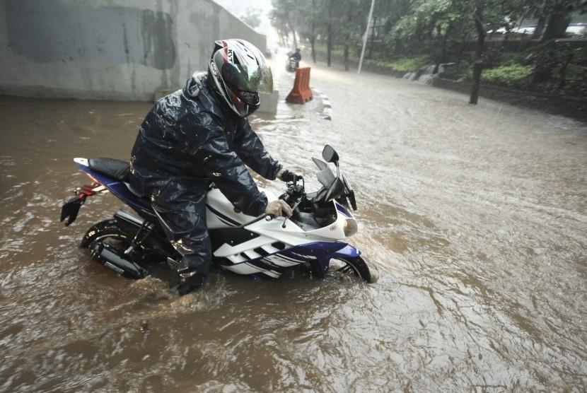 Banjir Kepung Jakarta, Ini Penyebabnya...