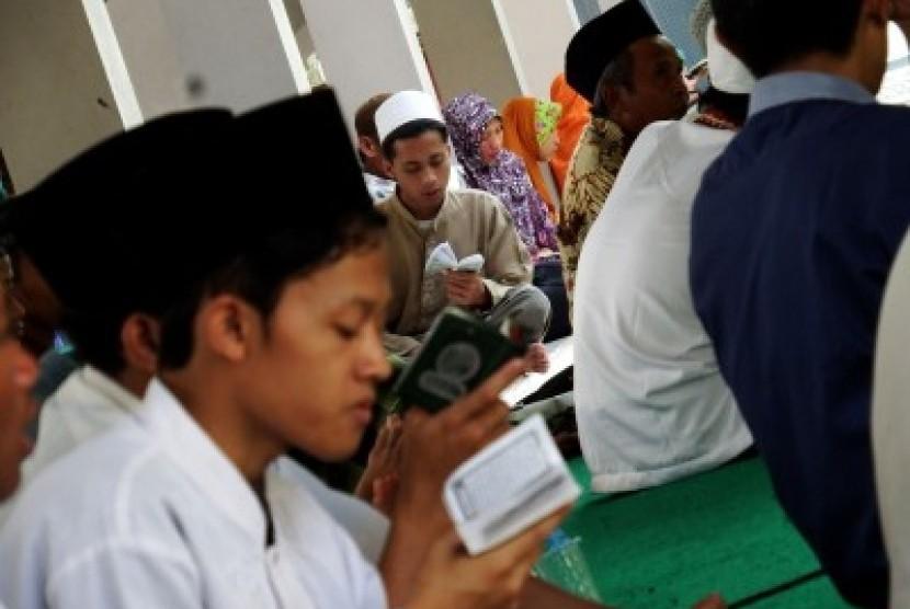 794 Hafidz Alquran Jabar Diwisuda