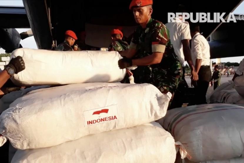 Pengiriman bantuan untuk Rohingya di Bangladesh (ilustrasi).