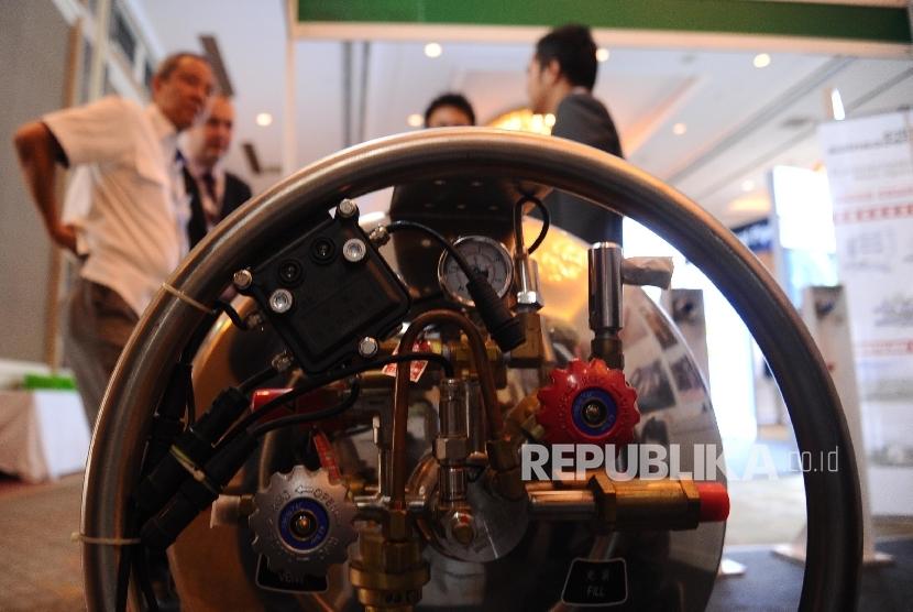 [ilustrasi] Pengunjung menghadiri pameran teknologi infrastruktur gas alam di Jakarta, Selasa (22/3).