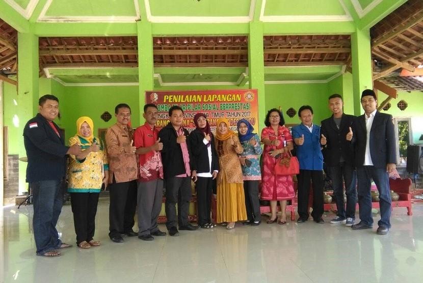 Penilaian lapangan oleh tim juri seleksi pemilihan Karang Taruna terbaik tingkat provinsi Jawa Timur di Karang Taruna Sudu Bangkit