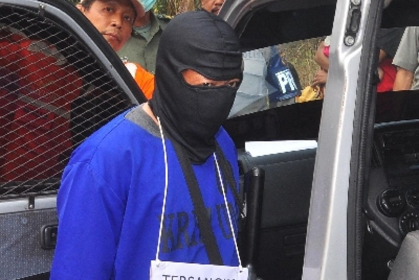 Penjahat ditangkap polisi (ilustrasi).