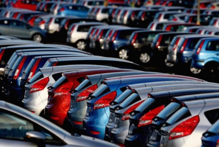Penjualan mobil (ilustrasi).